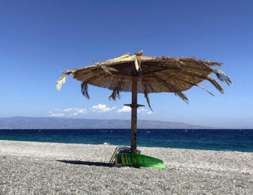La spiaggia Capo Alì ad Alì Terme